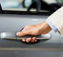 Saiba como se organizar e juntar dinheiro para comprar um carro!