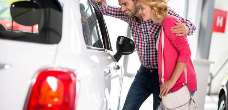 Quais os benefícios de comprar um carro direto da concessionária?