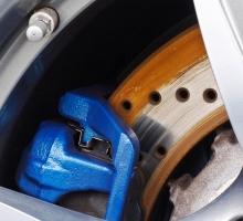 Saiba como funciona o freio ABS e entenda as diferenças para outros freios
