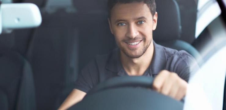 Os mais vendidos! Descubra 7 opções de carro para jovens