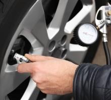 Descubra como fazer a calibragem dos pneus do seu carro corretamente